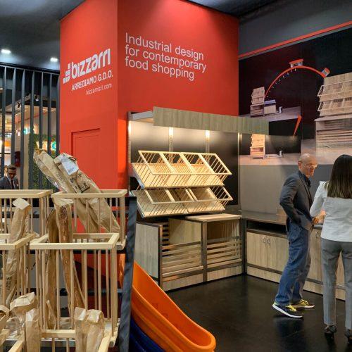Retrobanchi Bizzarri Host Milano Arredo Grande Distribuzione